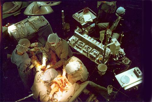 שלבים ראשונים בניתוח מעקפים (מקור צילום: ויקיפדיה)