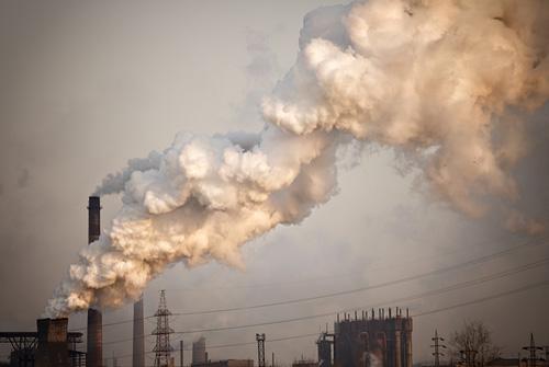 זיהום אוויר. הציבור בישראל נחשף למגוון מזהמים סביבתיים (צילום: שאטרסטוק)