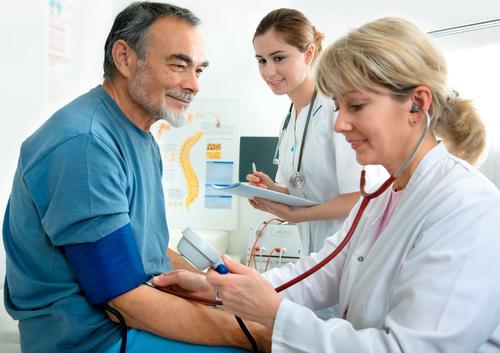 על הרופאים להוות דוגמא אישית (אילוסטרציה)