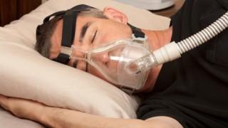 הקשר בין דום נשימה חסימתי בשינה ואי ספיקת לב