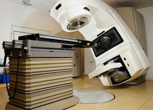 מכשיר Linear Accelerator, המשמש לטיפול בהקרנות (צילום: אילוסטרציה)