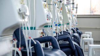 היעילות והבטיחות של גלקפרוויר ופיברנטסוויר בפגיעה כלייתית חמורה